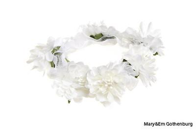 White Bun Garland